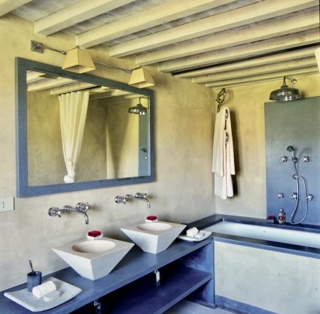 Bellorcia bath room at the Tuscookany cooking classes in Italy