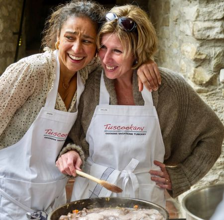 Have fun and learn to cook at Tuscookany cooking school in Italy