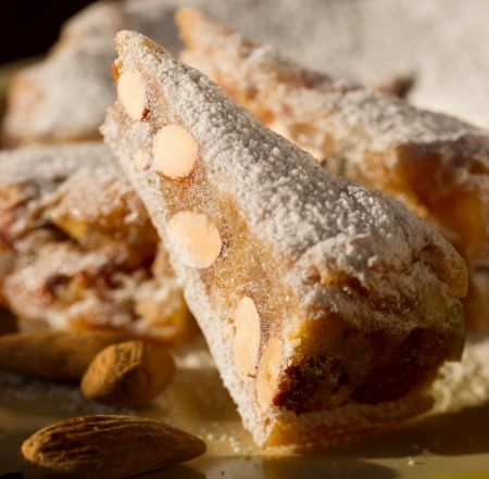 Learn to make Panforte at Casa Ombuto cooking classes in Tuscany