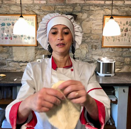 Tuscookany chef Alice in Casa Ombuto cooking school in Tuscany