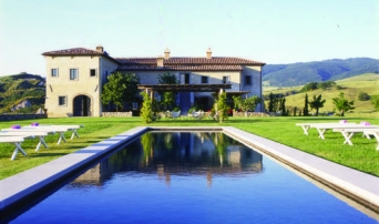 Bellorcia pool and villa