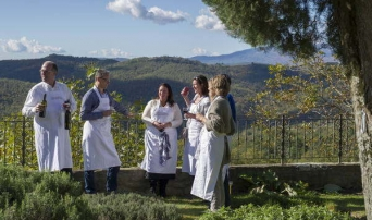 Tuscookany students have a break between the cooking classes in Tuscany