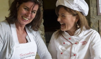 Tuscookany cooking classes in Tuscany chef Laura