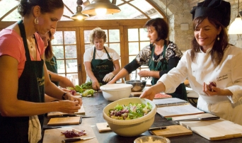 Chef Laura will teach you cooking in Tuscany