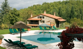 Pool at Casa Ombuto the Italian cooking schools in Tuscany.