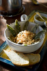 Fagioli beans with salvia