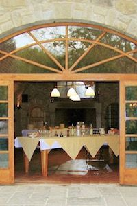 Casa Ombuto Cantina kitchen and dinning room