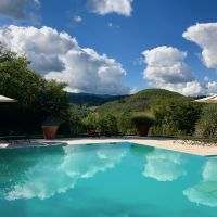 Casa Ombuto pool and view of the rolling Tuscan hills