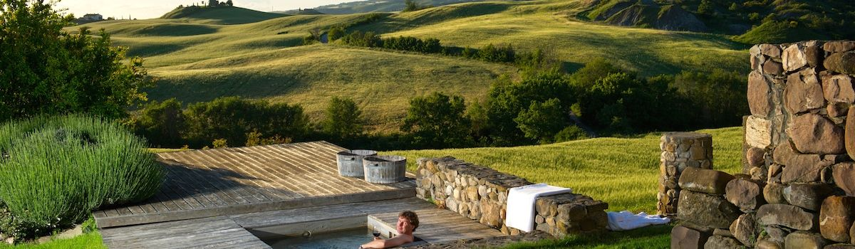 Tuscookany Bellorcia hot tub with spectacular view