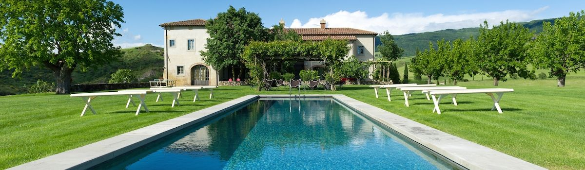 Tuscookany, Bellorcia pool and villa where the cooking classes in Tuscany are offerd