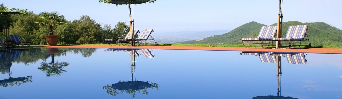 Tuscookany Torre del Tartufo pool and view