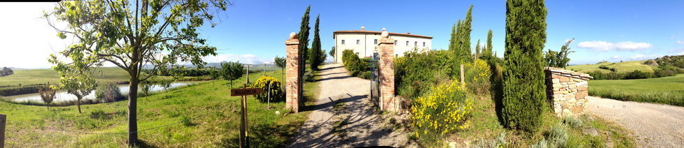 Bellorcia entrance to the Tuscookany cooking school in Tuscany.