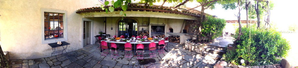 Bellorcia lunch alfresco for the Tuscookany students.